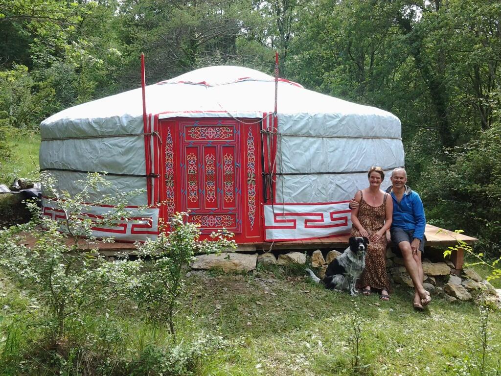 Rode; Yurt 2 tot 6 personen